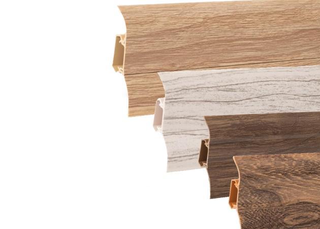 Podlahová lišta soklová plastová LP 52